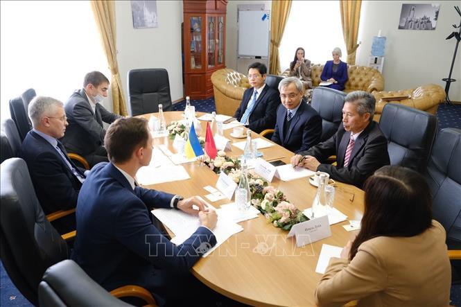Việt Nam tìm kiếm cơ hội đầu tư và kinh doanh tại tỉnh Cherkasy, Ukraine - ảnh 1