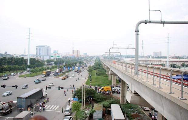 """dự án các tuyến đường sắt đô thị Tp. Hồ Chí Minh (tuyến metro số 1 và số 2), nhưng đến nay các dự án này đã trở lại """"bắt nhịp"""" và tạo được những bước chạy đà thuận lợi."""