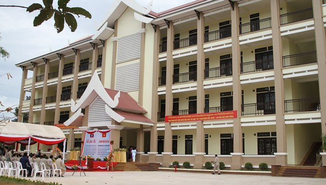 Việt Nam cấp 1.100 suất học bổng cho sinh viên và cán bộ Lào - ảnh 1