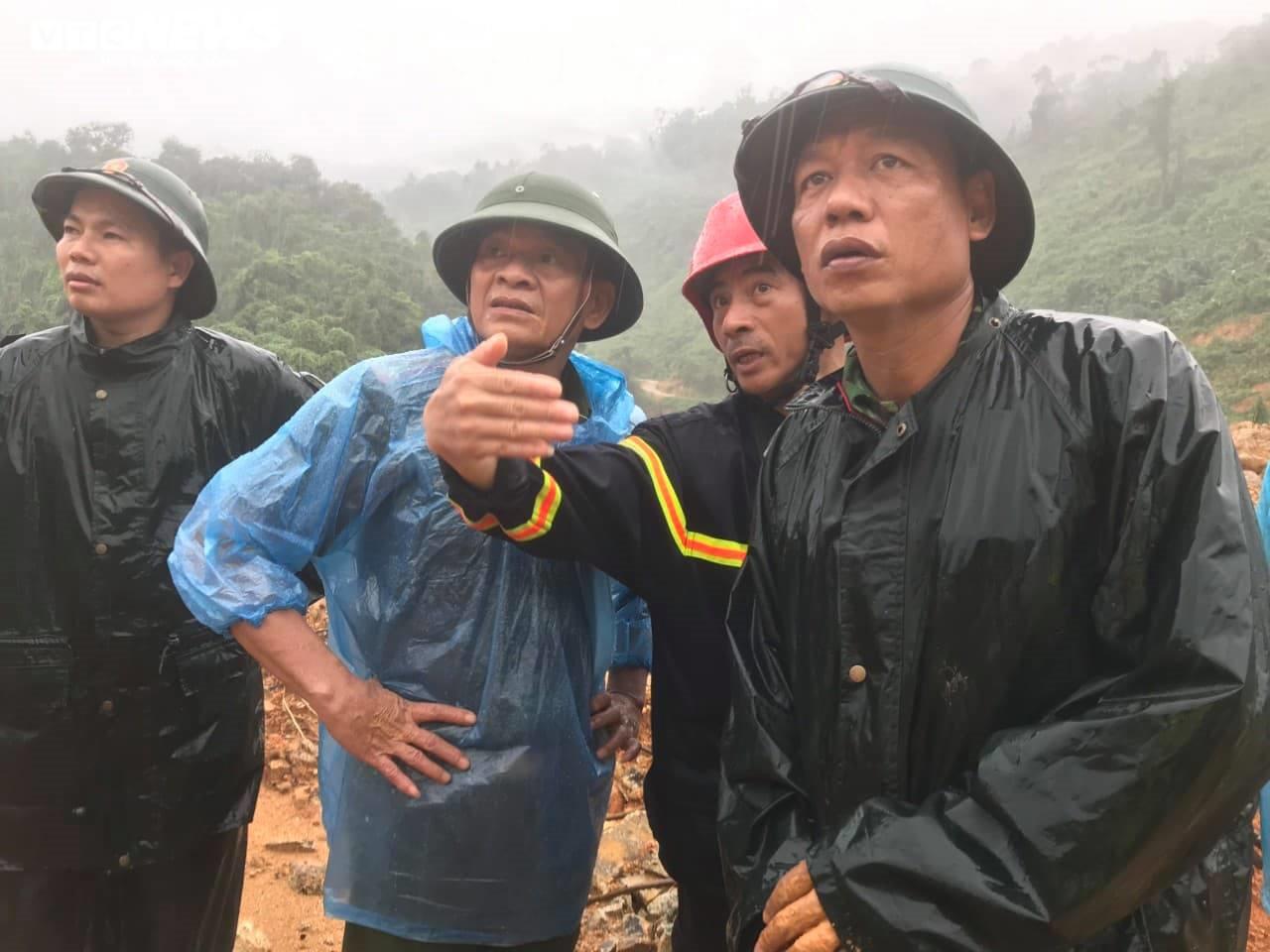 Rào Trăng 3 tiếp tục sạt lở, khó khăn tìm kiếm 15 công nhân mất tích - 4