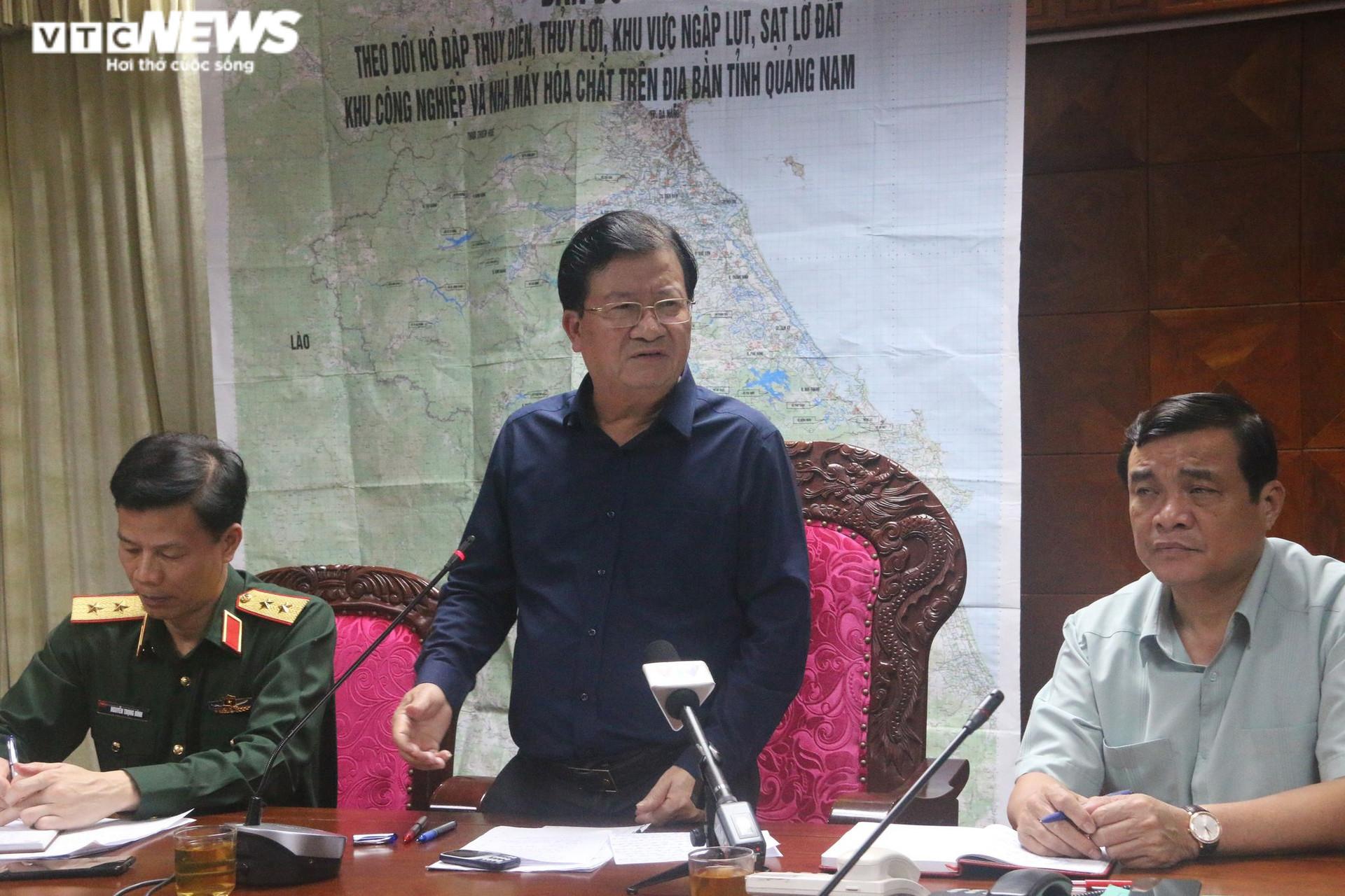 Sạt lở núi vùi lấp 53 người ở Quảng Nam: Chia 2 cánh quân để tìm kiếm cứu nạn - 1