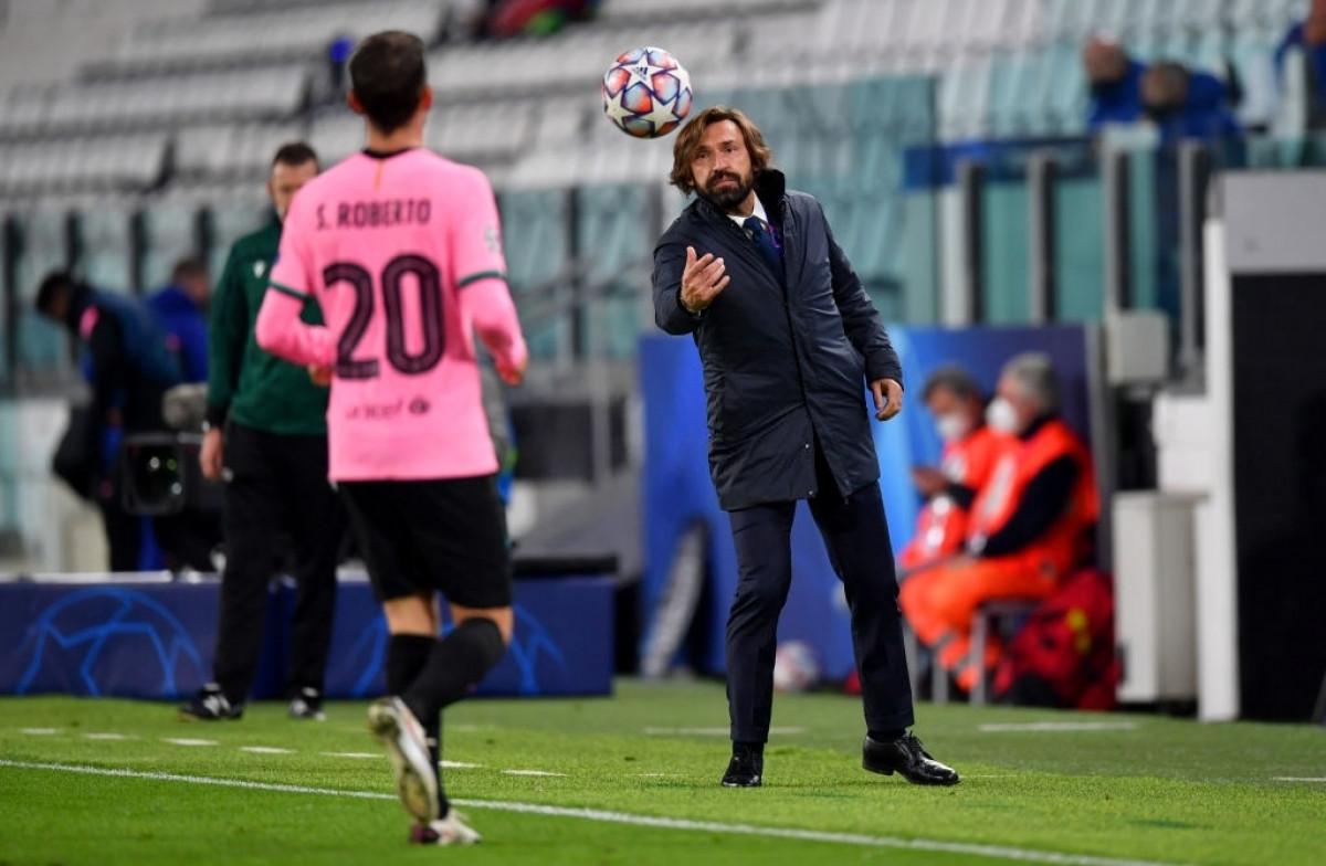 HLV Pirlo chưa thể giúp Juventus có thế trận tốt hơn trước Barca (Ảnh: Getty).