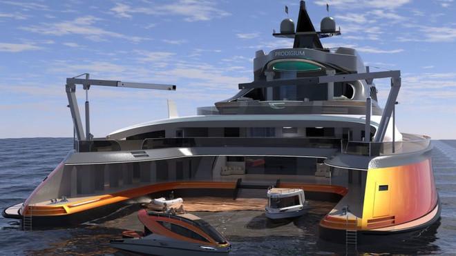 Cận cảnh siêu du thuyền 'cá mập' giá 550 triệu USD - 9