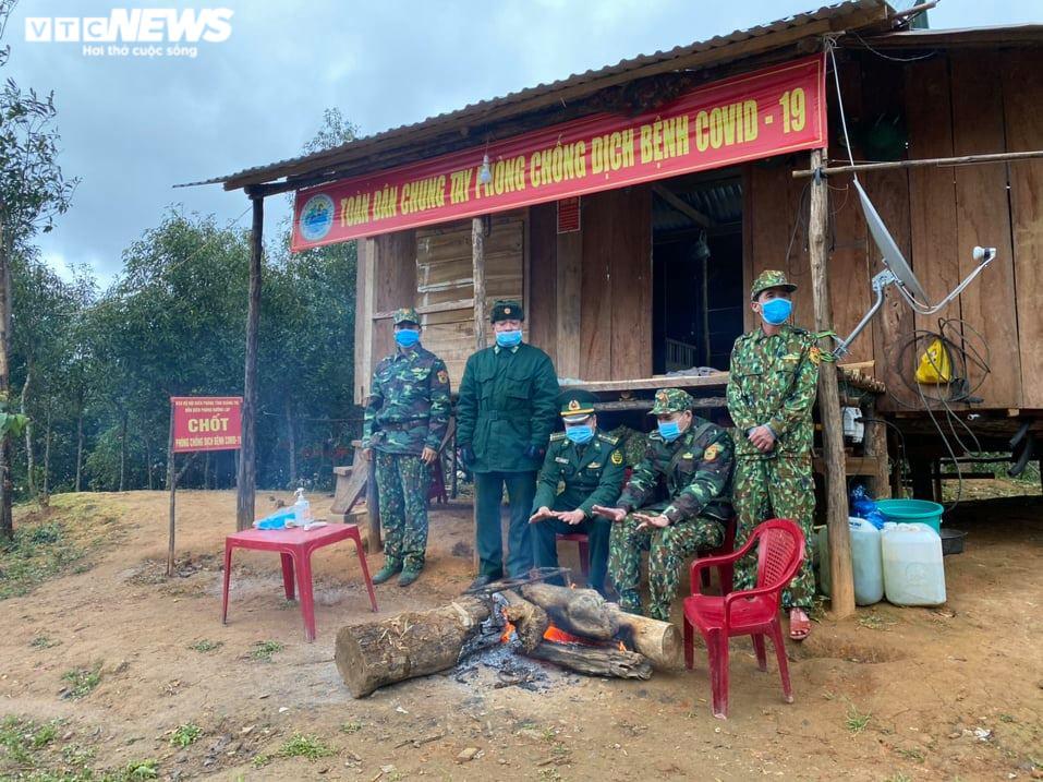 Biên phòng Quảng Trị ngăn vượt biên trái phép giữa trời rét cắt da xé thịt - 1