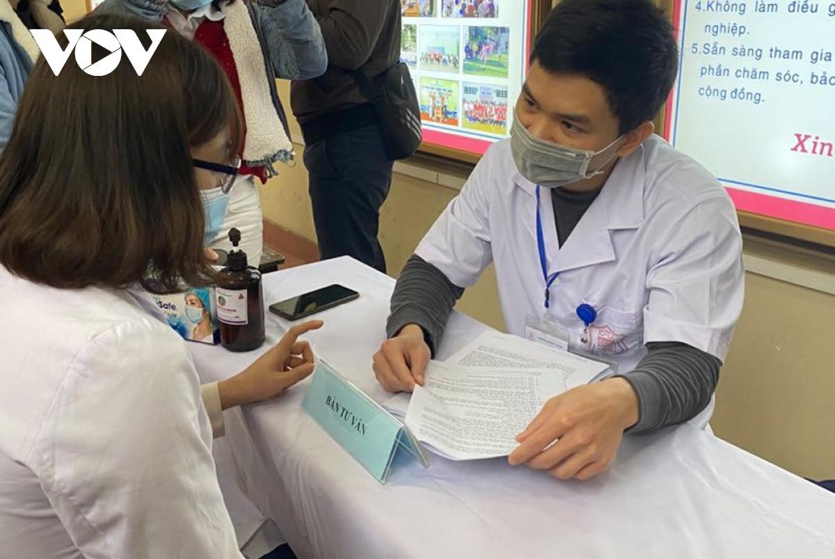 'Tôi tin tưởng vào vaccine COVID-19 Việt Nam nên tham gia thử nghiệm' - 1