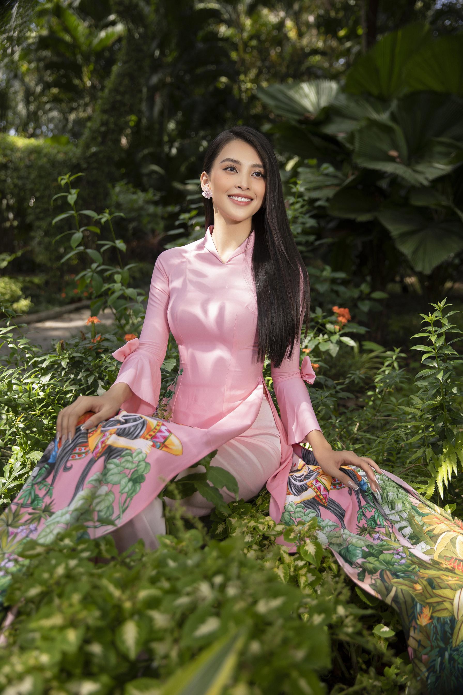 Hoa hậu Tiểu Vy đẹp tinh khôi với áo dài truyền thống  - 5