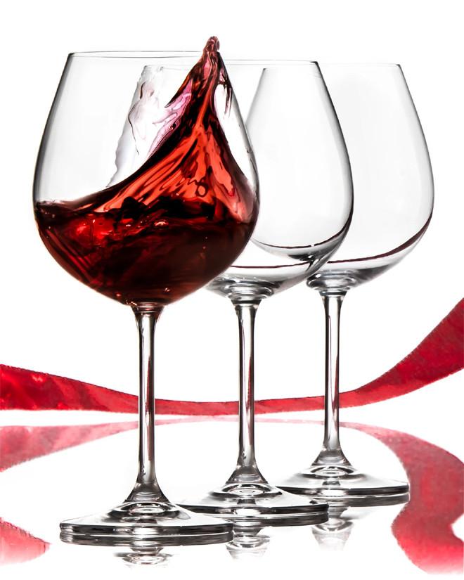 Uống vang sành điệu: Chọn ly nào, cầm ly thế nào cho chuẩn, sang? - 1