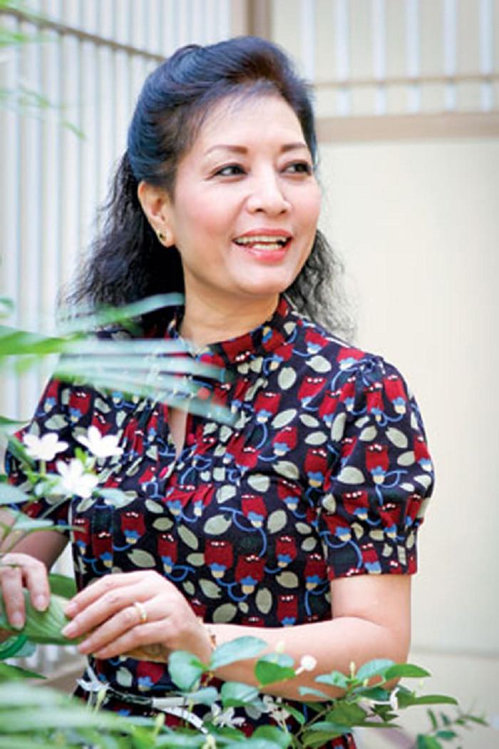 Vẻ đẹp lộng lẫy của NSƯT Hà Xuyên - nữ chính phim 'Biệt động Sài Gòn' - 10