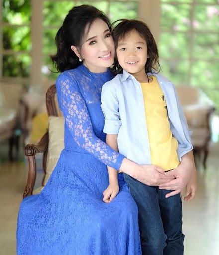 Tuổi U80, Hoa hậu Hoàn vũ Thái Lan vẫn trẻ đẹp không tin nổi - 5