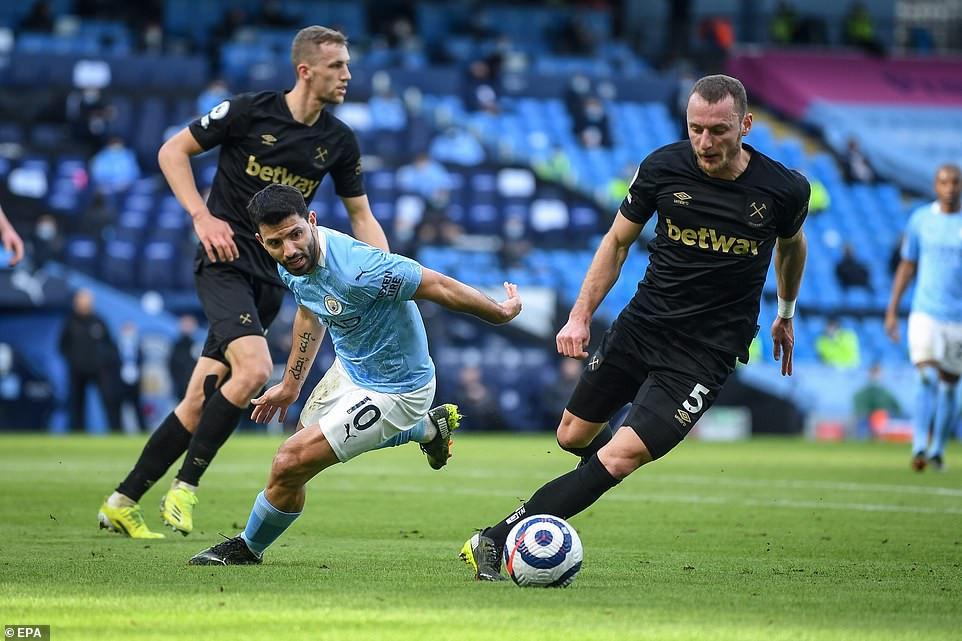 Kết quả Ngoại Hạng Anh: Cặp trung vệ tỏa sáng, Man City đánh bại West Ham - 1