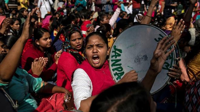 Cha chặt đầu con gái 'vì danh dự', cả Ấn Độ phẫn nộ - 1