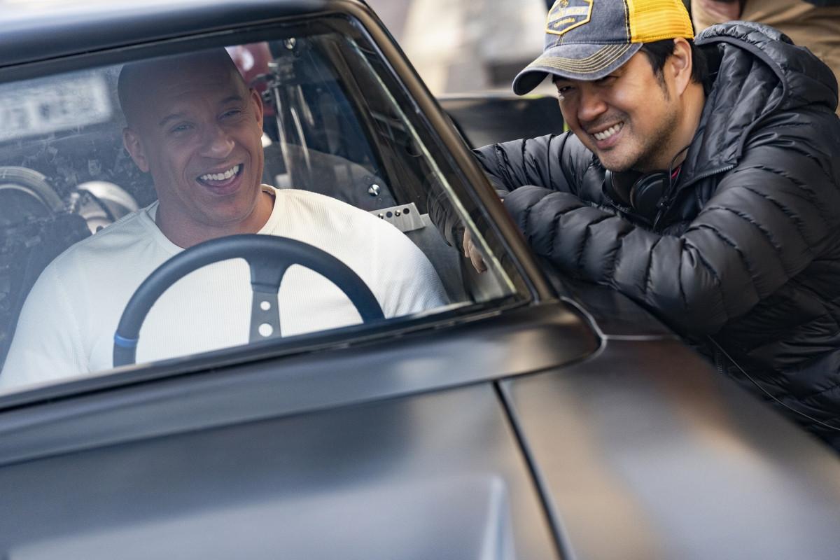Vin Diesel và đạo diễn Justin Lin thân thiết trên phim trường.