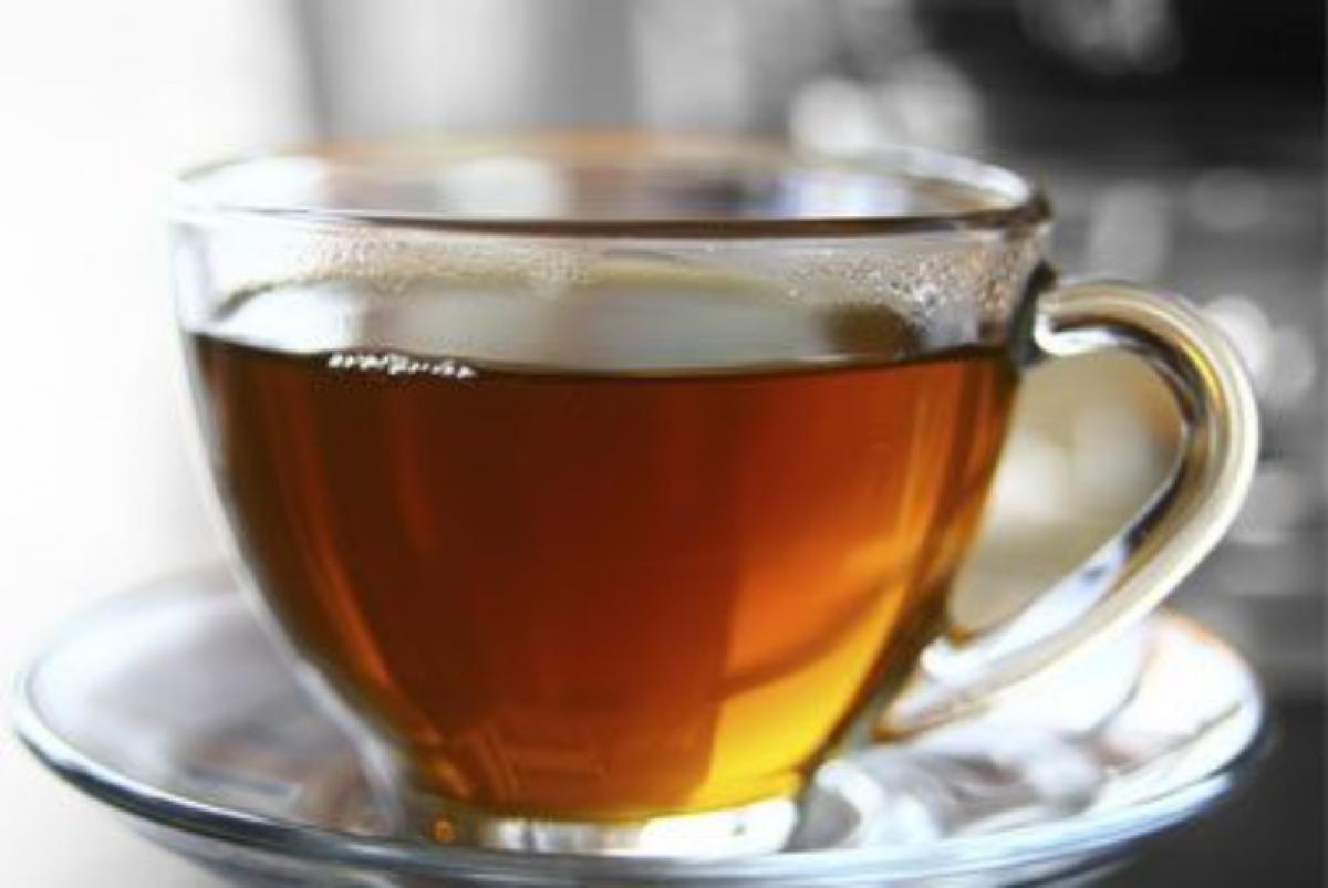 Làm dịu cơn ho: Bạn có thể chống lại cơn ho có đờm với một tách trà tiêu đen với mật ong. Tiêu đen giúp cải thiện tuần hoàn máu và làm loãng đờm, đồng thời mật ong giúp làm giảm cảm giác ngứa họng và có tác dụng kháng sinh nhẹ.