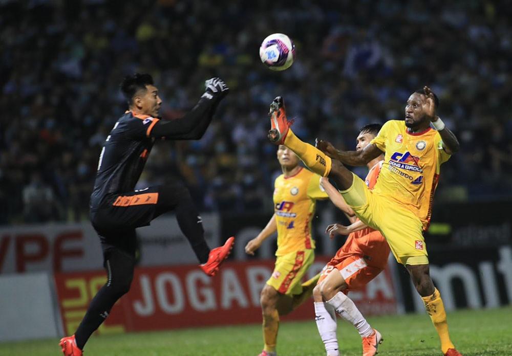 Hoàng Vũ Samson: CLB Thanh Hóa không trả lương, tôi sẽ kiện lên FIFA - 2