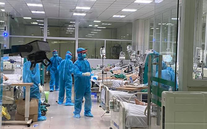3 bệnh nhân COVID-19 không bệnh lý nền tiên lượng khó qua khỏi - 1