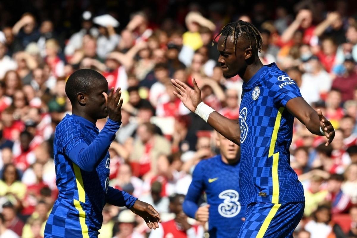 Dù vậy, chỉ 2 phút sau, Chelsea đã nâng tỷ số lên 2-1 sau cú sút của Abraham.
