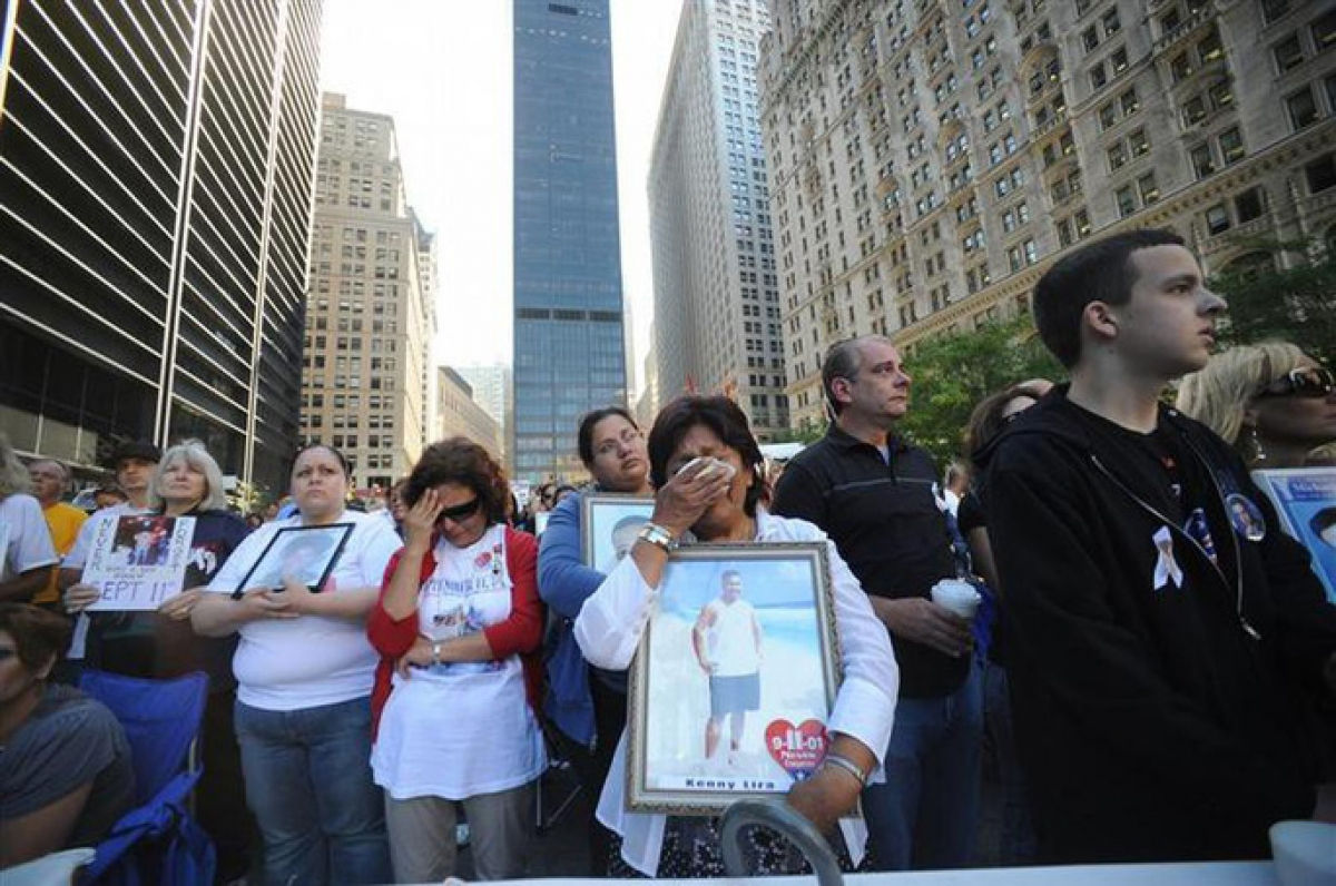 Tưởng niệm các nạn nhân vụ tấn công khủng bố ở Mỹ ngày 11/9/2001. Ảnh: Reuters