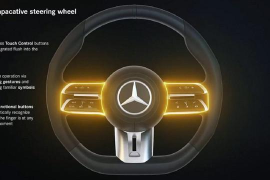 Mercedes ra mắt vô lăng thông minh, tự động kích hoạt phanh khẩn cấp
