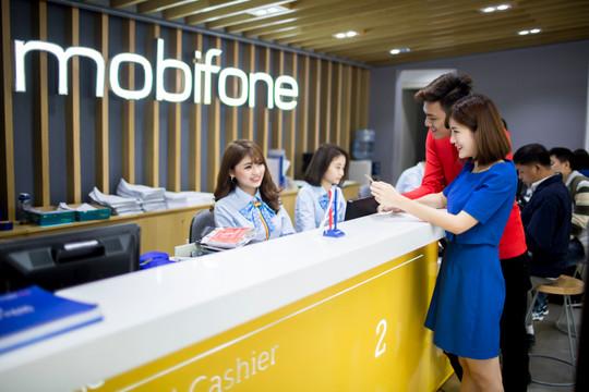 Khách hàng Hà Nội đổi SIM 4G MobiFone có cơ hội quay số trúng thưởng