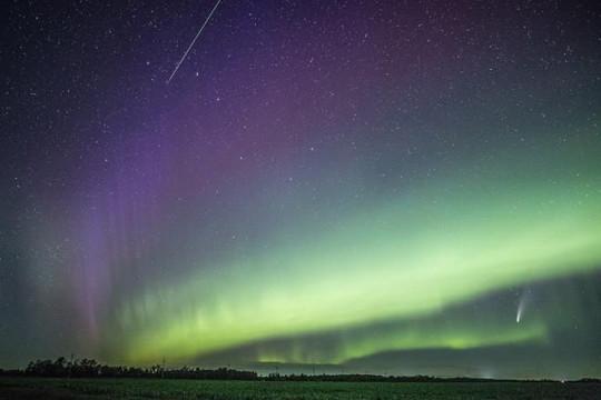 Ngoạn mục bức ảnh tụ hội 4 hiện tượng vũ trụ kỳ thú