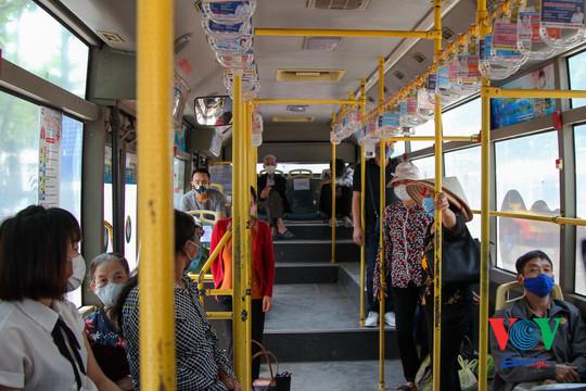 Hoạt động của xe buýt Hà Nội sau những diễn biến của dịch COVID-19