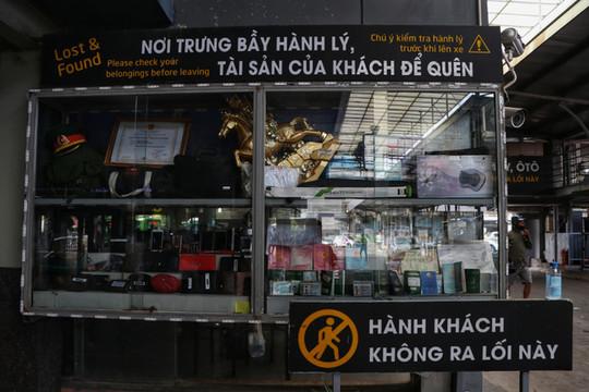 Hà Nội đến và yêu: Chuyện về chiếc 'tủ lưu giữ' tài sản thất lạc ở bến xe