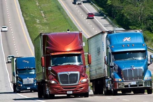 Tranh cãi đề xuất cho thanh niên 18 tuổi lái xe tải thương mại đường dài