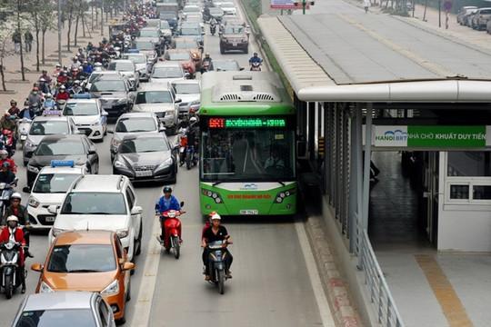 Vẫn khó xử lý vi phạm lấn làn buýt BRT