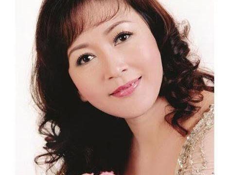 NSND Minh Hòa: Cứ lên sân khấu là hết… ốm