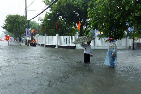 Bạn hữu đường xa: Lưu thông thời tiết mưa lũ ở miền Trung (12/10/2020)