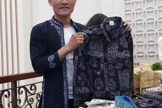 Chàng trai người Mông biến ước mơ thành hiện thực, xây dựng nên một thương hiệu thổ cẩm cho riêng mình (15/10/2020)