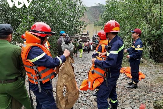 THỜI SỰ 12H TRƯA 16/10/2020: Lập thêm Sở Chỉ huy vệ tinh tại Thủy điện Rào Trăng 4 để tìm kiếm 16 người mất tích
