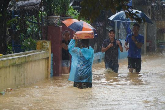 THỜI SỰ 18H CHIỀU 16/10/2020: Trước diễn biến mưa lũ còn phức tạp, Ban chỉ đạo Trung ương về phòng chống thiên tai yêu cầu các đơn vị không chủ quan trong điều hành hồ chứa.