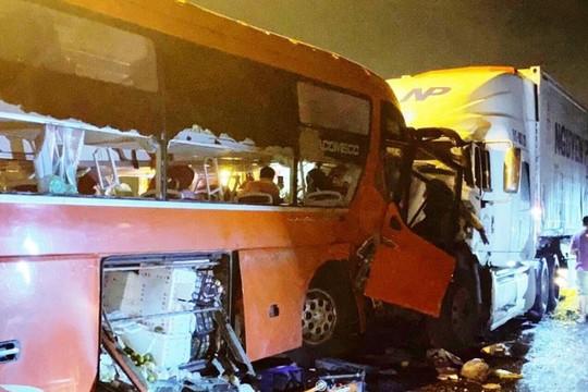 Khắc phục hậu quả TNGT tại Đà Nẵng và Quảng Ninh khiến 22 người thương vong