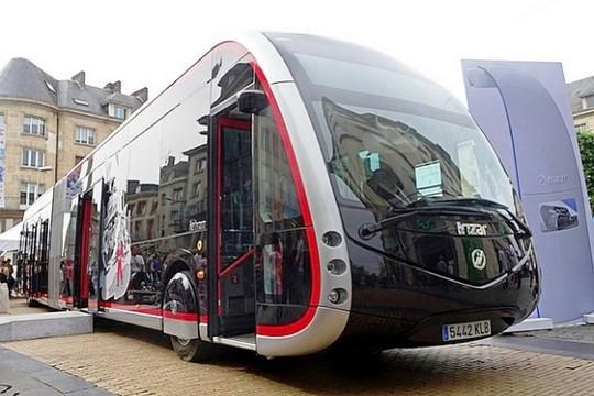 Bộ GTVT đồng thuận khai thác xe buýt điện tại Hà Nội và TP.HCM