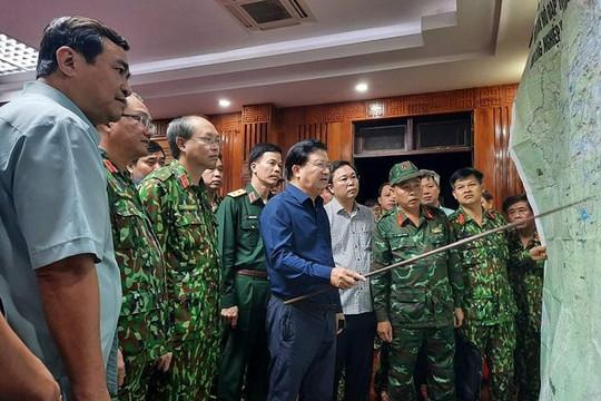 Họp khẩn giữa đêm lên phương án cứu hộ hàng chục người bị vùi lấp ở Quảng Nam