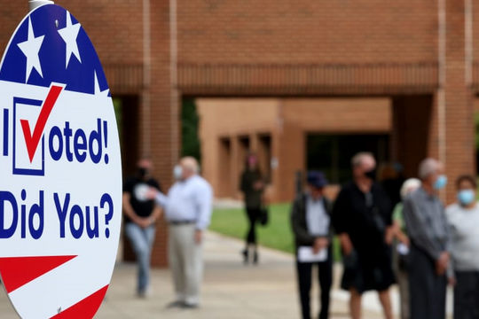 Bỏ phiếu sớm ở Mỹ đạt 50% tổng số phiếu bầu năm 2016