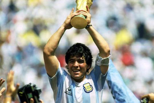 VIDEO: Khoảnh khắc đáng nhớ trong sự nghiệp cầu thủ lẫy lừng của Diego Maradona