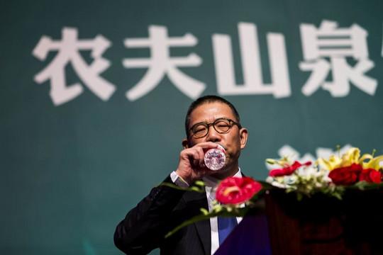 Đầu năm, tiền vào như nước, tỷ phú Trung Quốc vượt mặt Warren Buffett