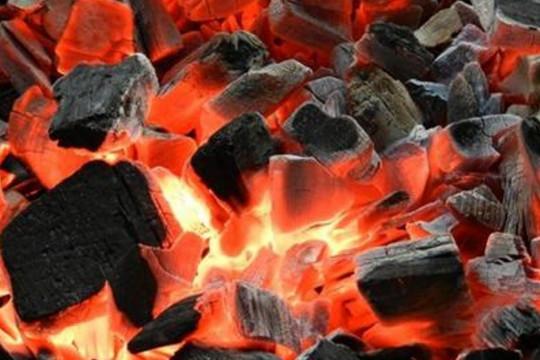 Đốt than củi sưởi ấm, 2 mẹ con ở Hà Tĩnh ngộ độc khí CO