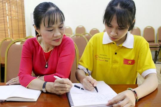 Điều đặc biệt của nữ sinh nghèo từng từ chối trường chuyên