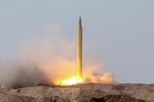 Iran diễn tập phóng tên lửa đạn đạo tiêu diệt mục tiêu di động trên biển
