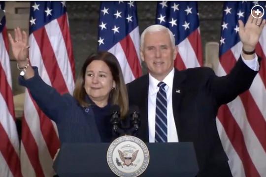 Phó Tổng thống Pence xuất hiện chính thức lần cuối trước khi rời nhiệm