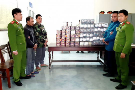 Hà Tĩnh bắt 250 đối tượng mua bán, tàng trữ pháo trái phép