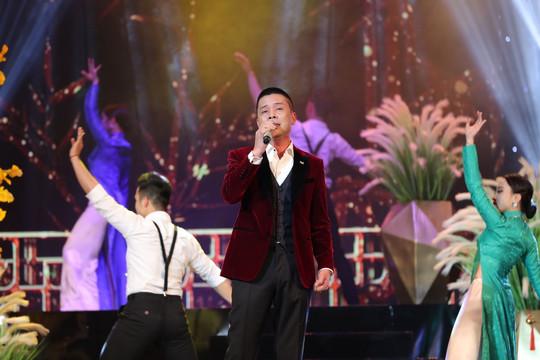 Thanh Thanh Hiền: Ninh Hải hát rất đơn giản mà vẫn thấy được dòng chảy bolero