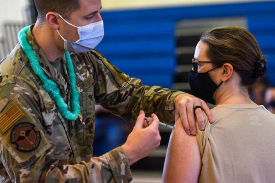 Loạt lính Mỹ từ chối tiêm vaccine COVID-19