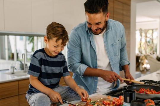 5 kỹ năng sống bạn phải dạy con để trẻ thành người có trách nhiệm