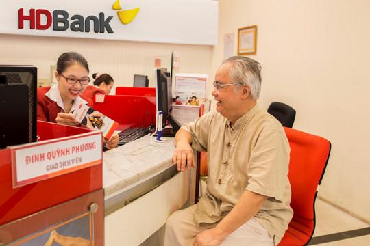 Gửi tiền ngân hàng nào 'tuổi càng cao, lãi suất càng lớn'?