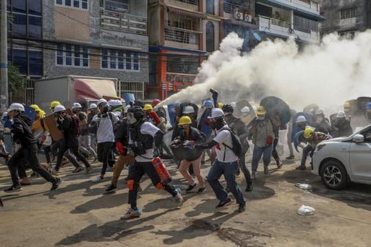 Bạo lực leo thang ở Myanmar khi phong trào kháng chiến vũ trang trỗi dậy