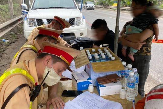 Phát hiện 2 tài xế dương tính với ma túy trên cao tốc Hà Nội - Thái Nguyên